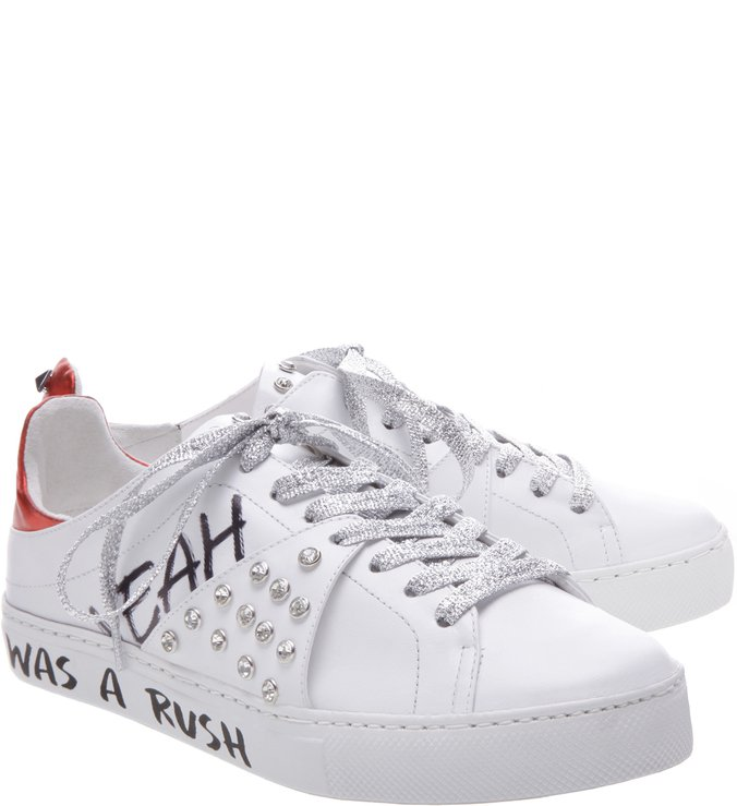 White Sneakers Grafite Studs