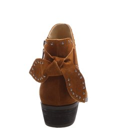 Ankle Boot Studs Wood