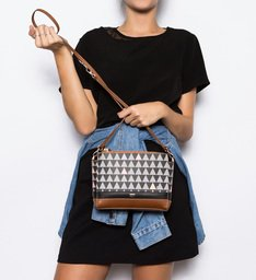 Crossbody Triangle Black