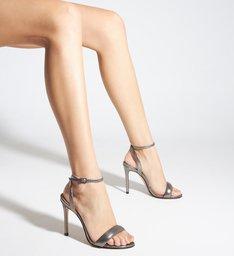 Sandália de Salto Couro Metalizado Cinza