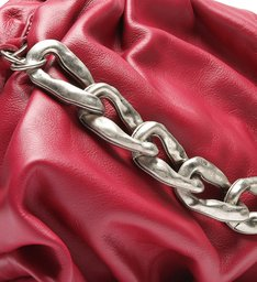 MAXI CLUTCH AVRIL CHAIN RED