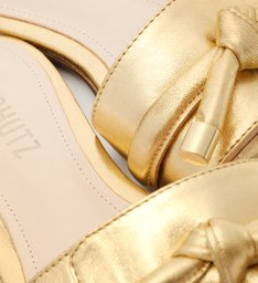 Sandália Rasteira Nó Verniz Dourada