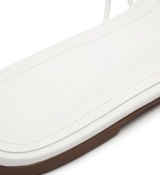 Flat Strings White