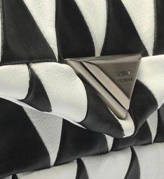 Bolsa Tiracolo New 944 Patchwork Preto e Branco