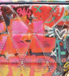 Mini Crossbody Matelassê Street Art
